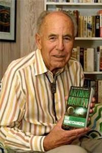 92 de ani de la naşterea scriitorului Arthur Hailey