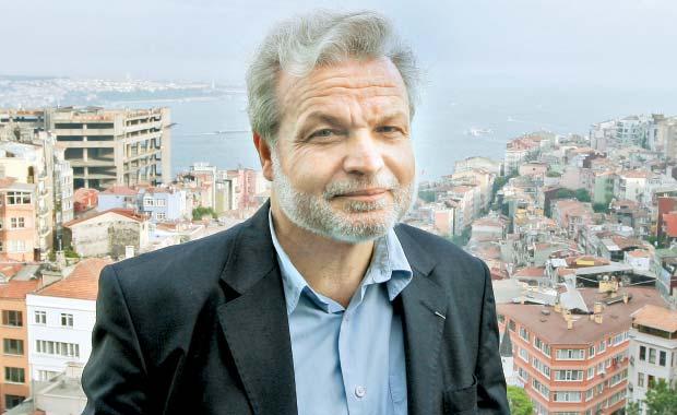 """Nedim Gürsel, scriitor: """"Libertatea de exprimare este ameninţată în Turcia"""""""