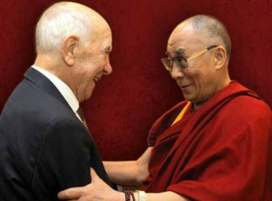 O carte de Stéphane Hessel şi Dalai Lama apare la Nemira în toamnă