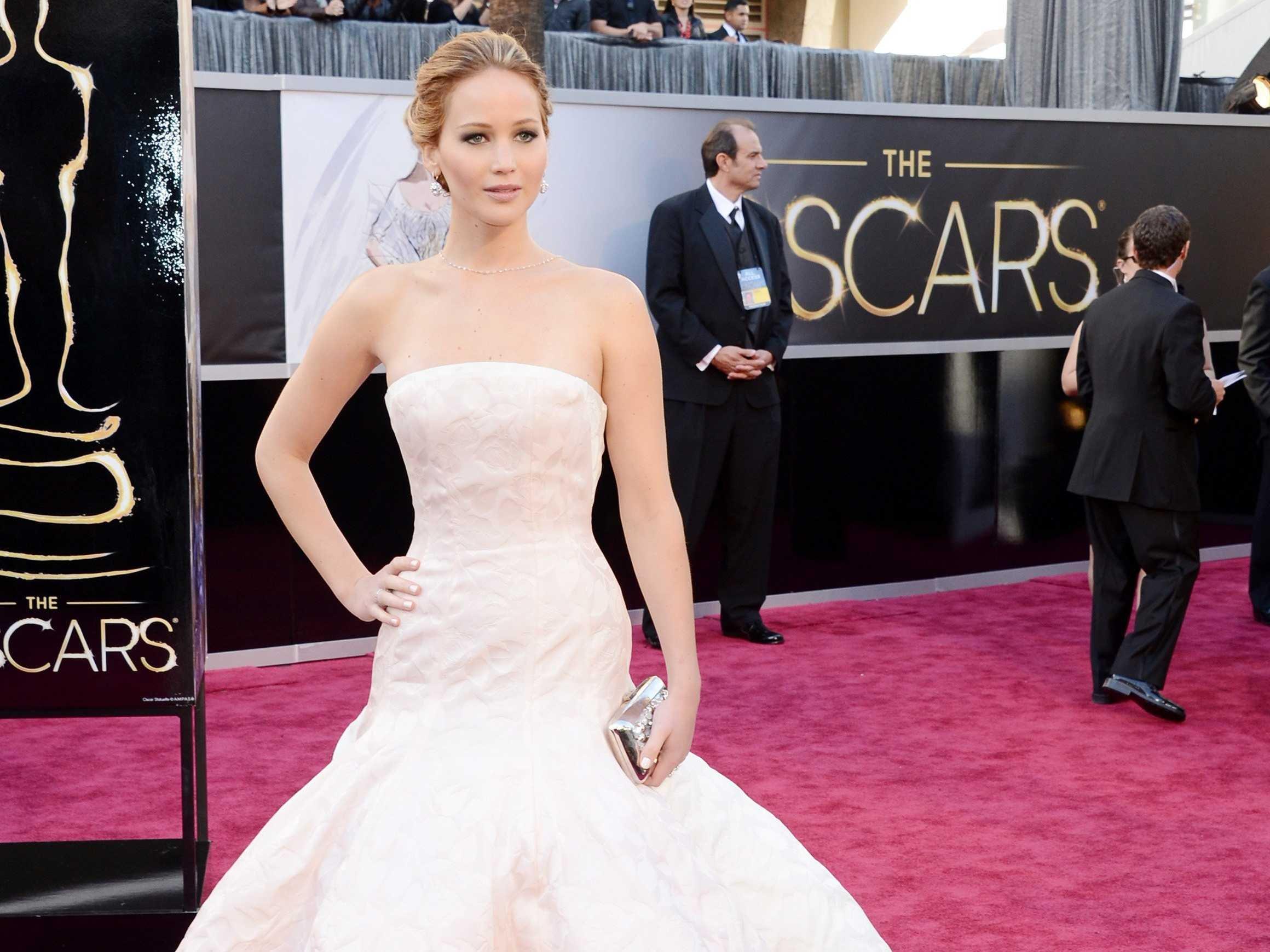 """Actriţa din Jocurile Foamei a câştigat Oscarul pentru """"Silver Linings Playbook"""""""