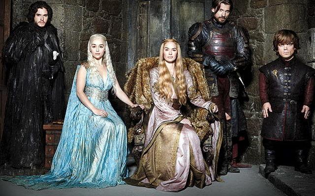 """Serialul """"Urzeala tronurilor"""" primeşte 17 nominalizări la premiile Emmy 2013"""