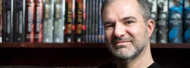 """[EXCLUSIV] Interviu Peter V. Brett: """"Cred că literatura şi media au creat o falsă istorie care exclude realizările femeilor"""""""