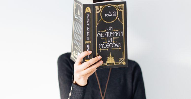 Ce e în spatele unui gentleman la Moscova?