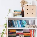 Terapie prin poveste: cum îți poți aranja biblioteca